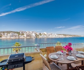 Blue Harbour 4 – Seafront 3 bedroom self catering holiday apartment with terrace
